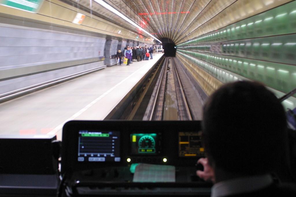 Systémy pro automatické řízení jízdy vlaku a vlaku metra, AŽD Praha