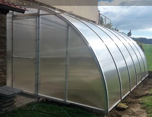 Výroba a prodej atypických skleníků