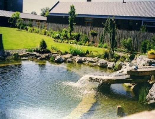 Zahradní koupací jezírko