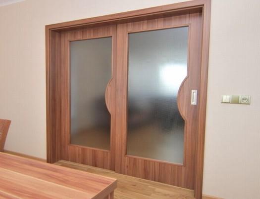 Úspora místa díky posuvným dveřím