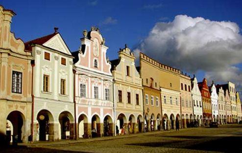 Město Telč, které je v blízkosti hotelu Zámek Valeč, rozhodně stojí za navštívení