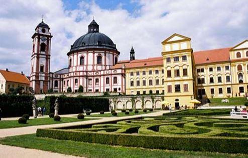 Navštivte město Jaroměřice nad Rokytnou, které se nachází v blízkosti hotelu Zámek Valeč