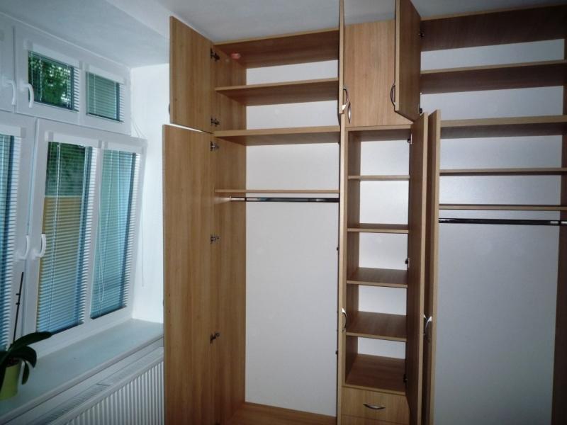 Využijte z mnoha možností vnitřního uspořádání skříně, které nabízí firma Truhlářství Kafka