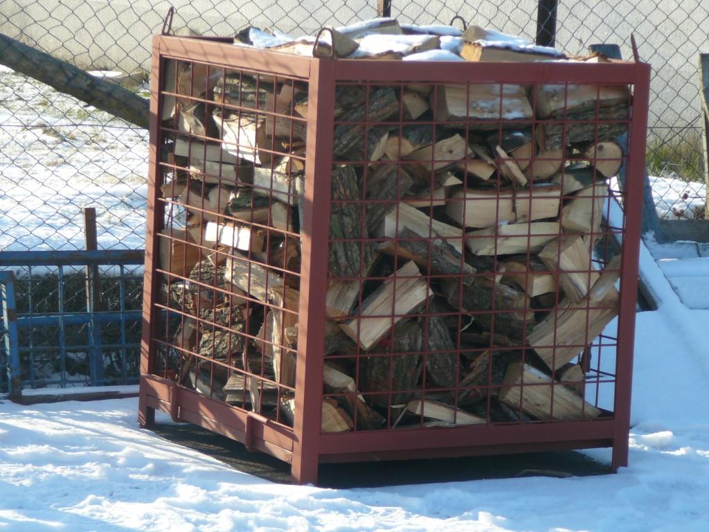 Topte palivovým dřevem od společnosti BOŠ spol. s r.o., které navíc šetří přírodu
