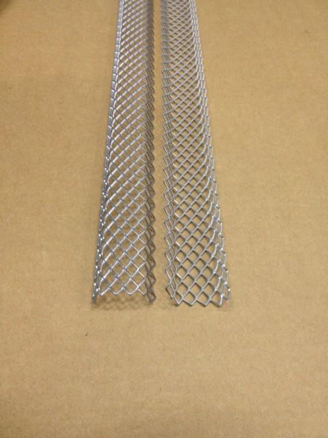 Univerzální zpevňovací mřížka pro bentonitový pás