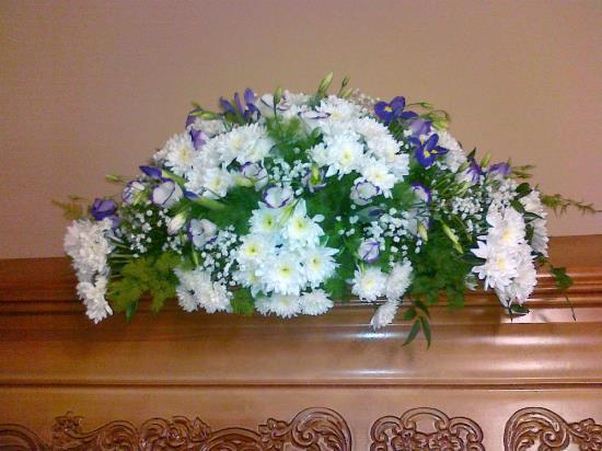 Pohřební kytice na rakvi, Marie - pohřební služba Opava