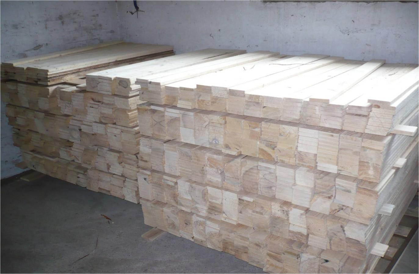 Společnost Pila Benda s.r.o. se zabývá výrobou dřevěných obalů a europalet