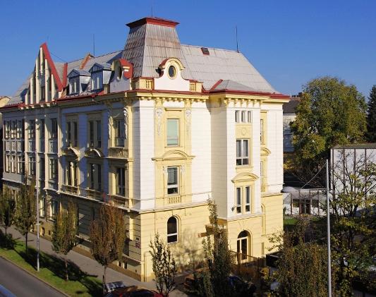 Budova střední školy hotelnictví a služeb v Opavě