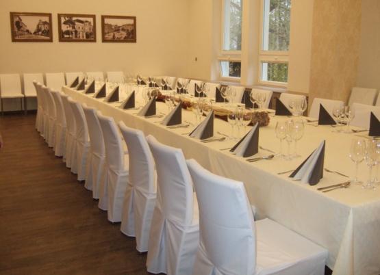 Salonek školní restaurace Vesna Opava