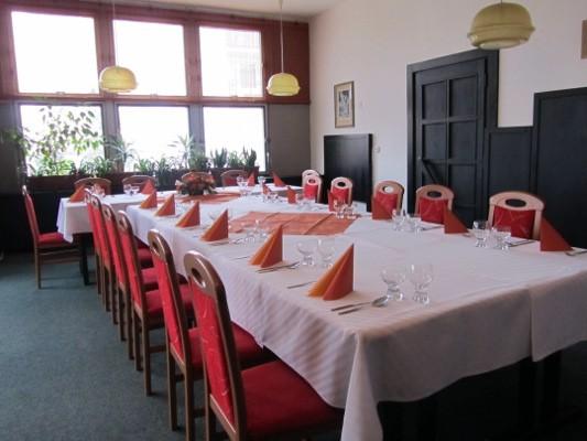 Salonek restaurace Terasa pro pořádání soukromých akcí