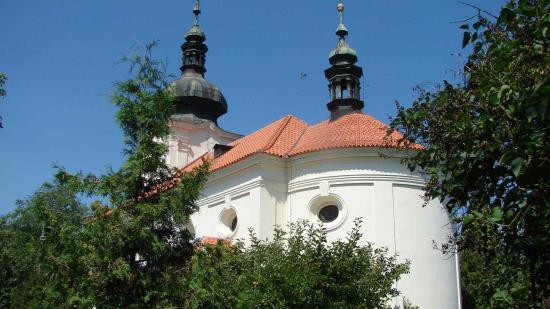Prejzová střecha na kostele