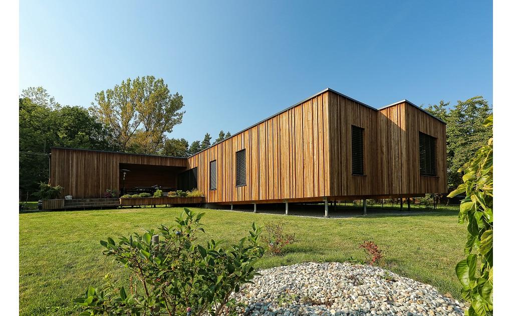 Garážová vrata firmy Baran zajistí bezpečí a podtrhnou design vaší nemovitosti