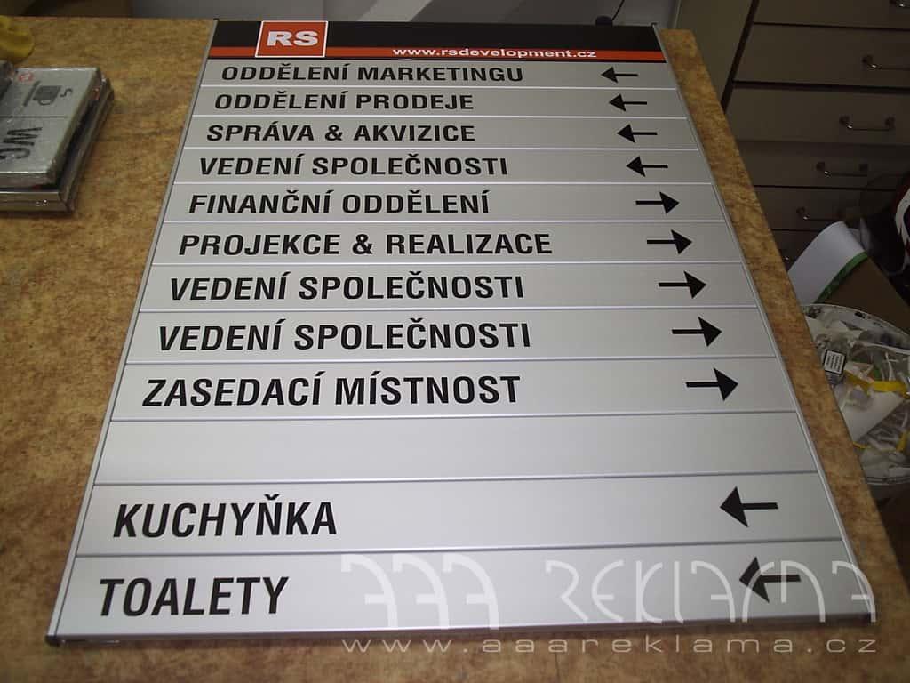Výroba a instalace orientačních systémů, tabulek, cedulí