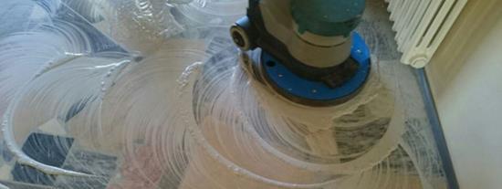 S renovací a čištěním podlah ve Vaší firmě si poradí Dema-servis