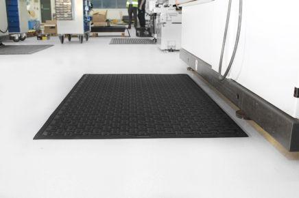 Průmyslové podlahové rohože pro různé povrchy
