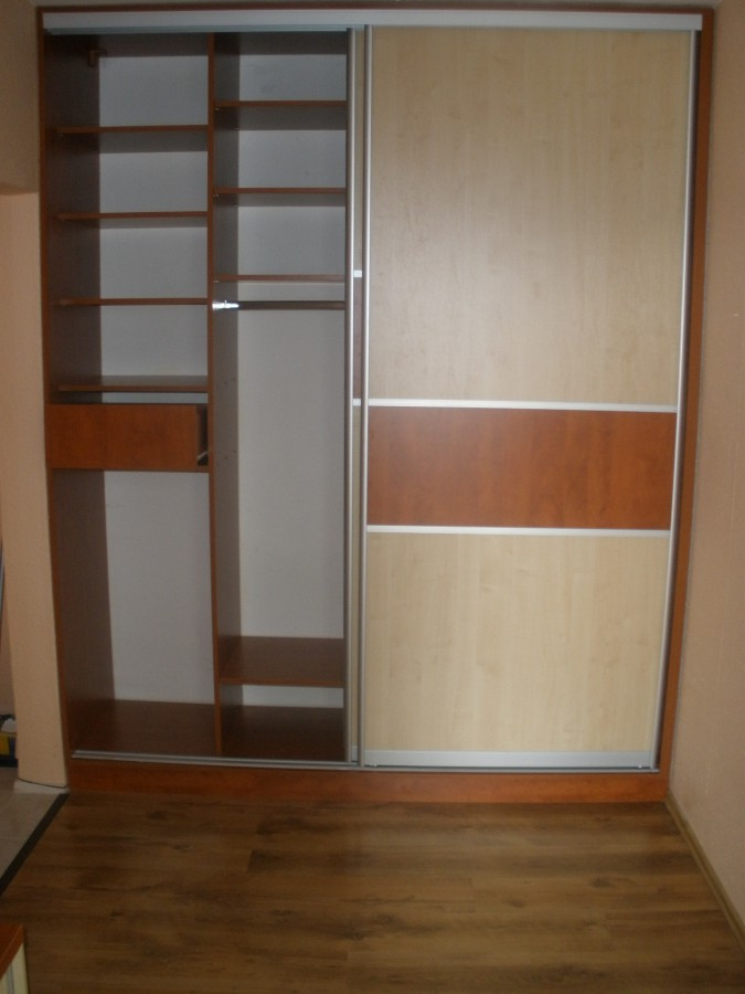 Zaměření, návrh, výroba, montáž vestavěných skříní, Kuchyňské studio Jan Forman