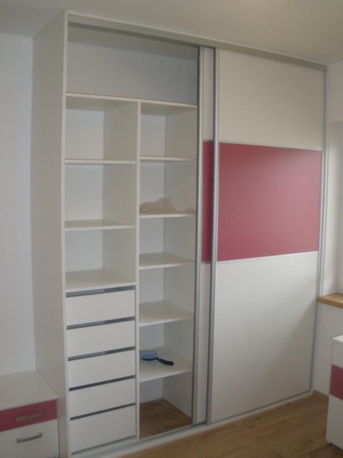 Vestavěné skříně na zakázku  - lamino, barevné sklo, zrcadlo, Jan Forman, okres Znojmo