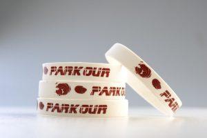 Zakázková výroba silikonových náramků s potiskem, debossem či embossem, Znojemsko