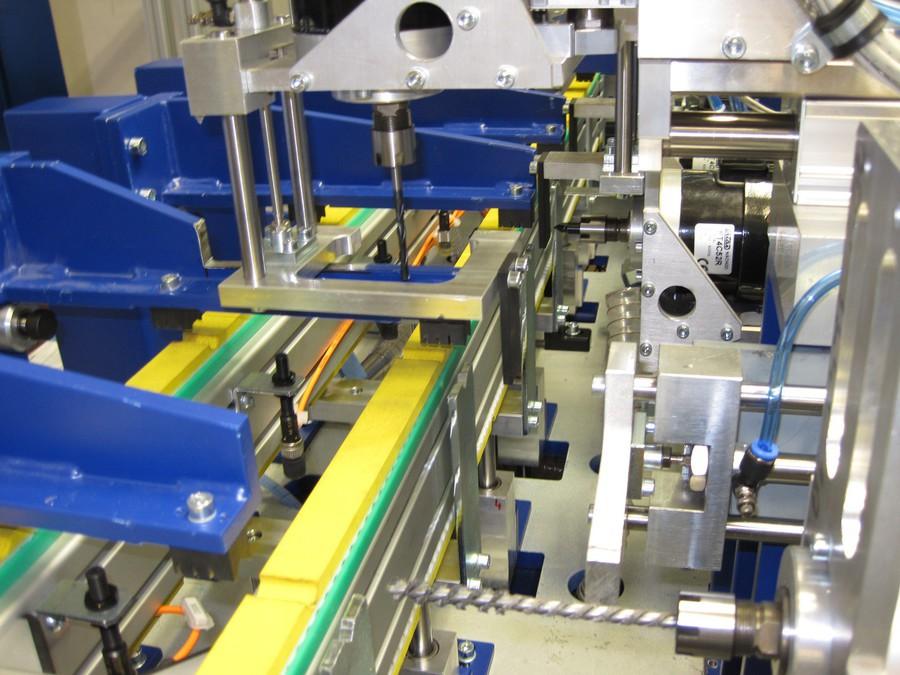 Výroba nových strojů a zařízení pro průmyslovou automatizaci
