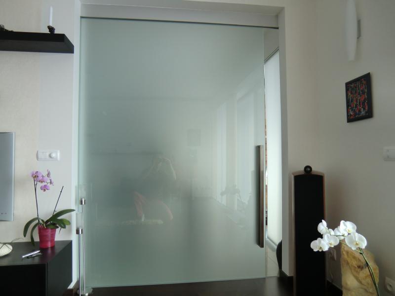 Skleněné dveře od společnosti ACERA SKLO s.r.o.