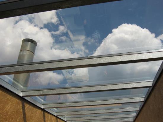 Zastřešení teras z pochozího skla od společnosti ACERA SKLO s.r.o.