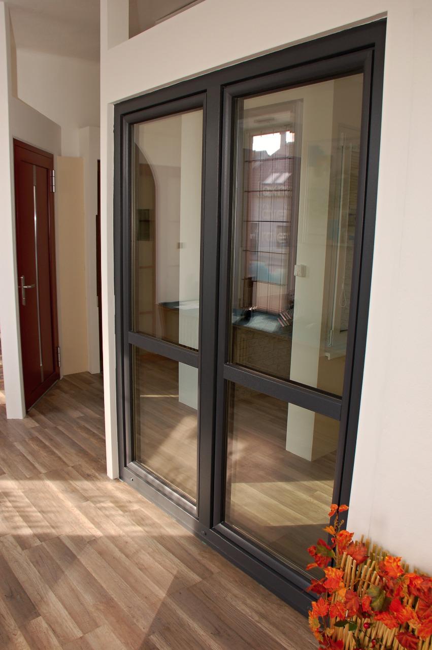 Plastové dveře od výrobce OKNOPLAST dodává firma EVOokna Tomáš Makeš ze Znojemska
