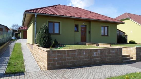 Rodinné domy na klíč, které šetří Vaše peníze, staví společnost Stavitelství Kudláč