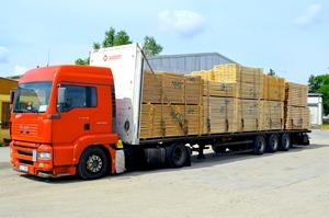 Řezivo a další dřevěné produkty dovezeme vlastními nákladními vozy