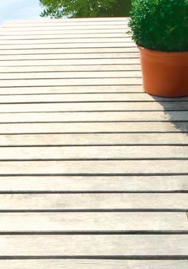 Dubové podlahové prvky holz pur s hladkým či rýhovaným povrchem