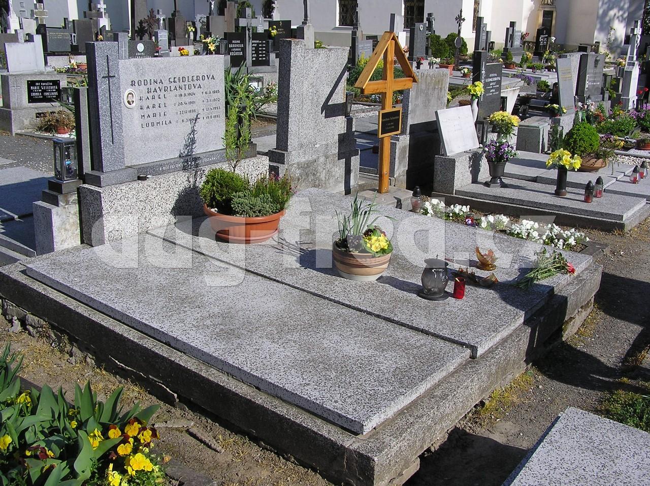 Zpracováním kamene se zabývá společnost AUG-FRED