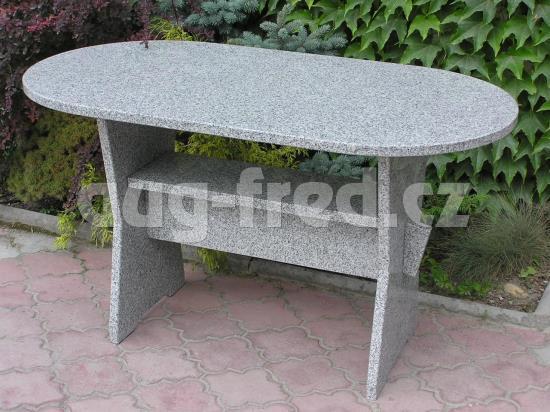 Kvalitní zahradní nábytek z kamene, žuly či mramoru vyrábí společnost AUG-FRED
