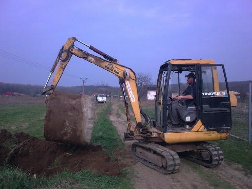 Zemní a výkopové práce zajistí společnost Autodoprava Bohdálek.