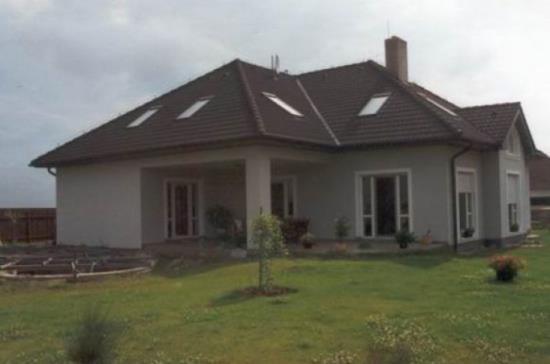 Stavbu rodinných domů zajišťuje společnost VESAS s.r.o.