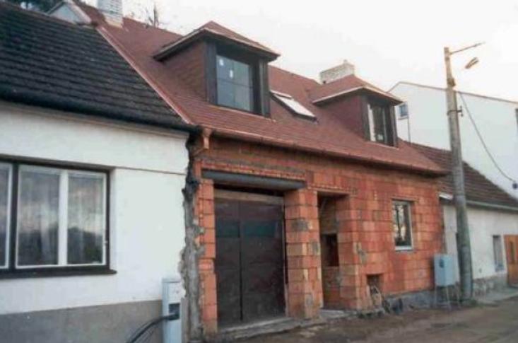 Kompletní rekonstrukci domů a bytů zajišťuje společnost VESAS s.r.o.