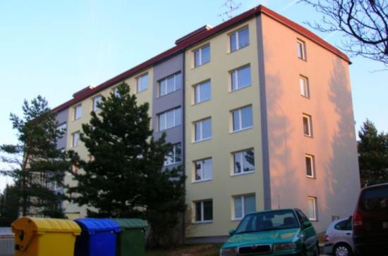 Společnost VESAS s.r.o. se zabývá izolací a zateplením fasád bytových a panelových domů
