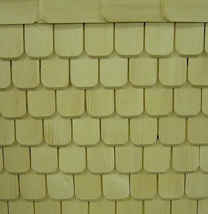 Společnost Okna Bastl vyrábí štípané i řezané šindele