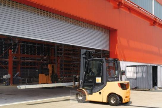 Garážová vrata pro průmyslové objekty nabízí společnost BOHEMIO CZ, s.r.o.