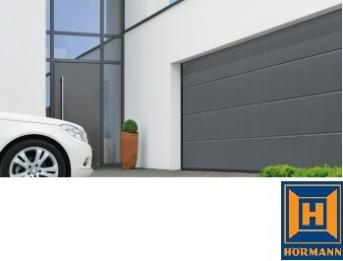 Sekční garážová vrata dodává společnost BOHEMIO CZ, s.r.o.