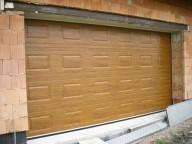 Kvalitní vrata pro každou garáž dodá spolehlivá firma BOHEMIO CZ, s.r.o.