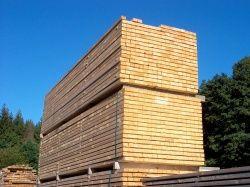 Dřevěné trámy, fošny, prizmovaná prkna, střešní latě, dřevěné hranoly - Vysočina