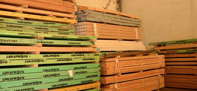 Stavební řezivo z českých dřevin i exotického dřeva