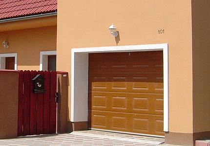 Všechny typy garážových vrat od firmy Garážová vrata a žaluzie Martin Mareček, Telč