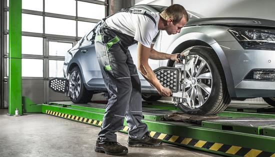 Zaměření a odborné seřízení geometrie náprav vozidla