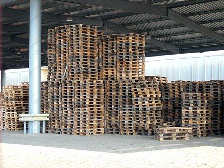 Vyrábíme dřevěné palety standardní, jednorázové, atypické
