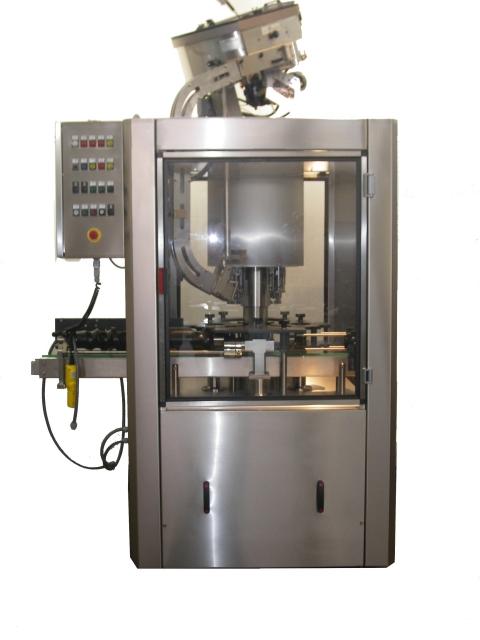 Automatická zátkovačka pro vinařský i nápojový průmysl