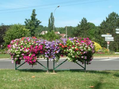 Mobiliář do měst a obcí - květinová dekorace od firmy FLORAVIL z Miroslavi na Znojemsku
