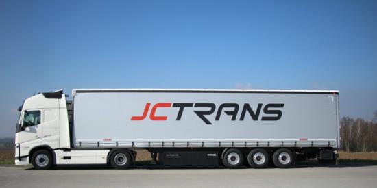 Expresní nákladní kamionová doprava napříč Evropou
