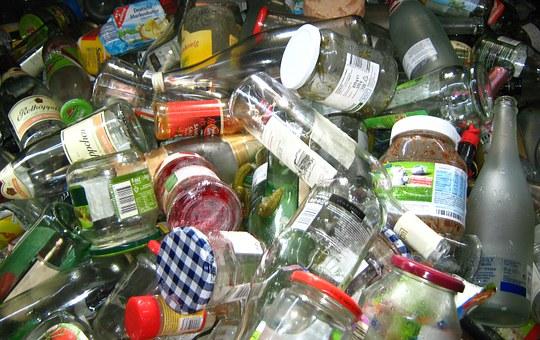 Vhazujme použité sklo do zelených kontejnerů - EKO-KOM Praha