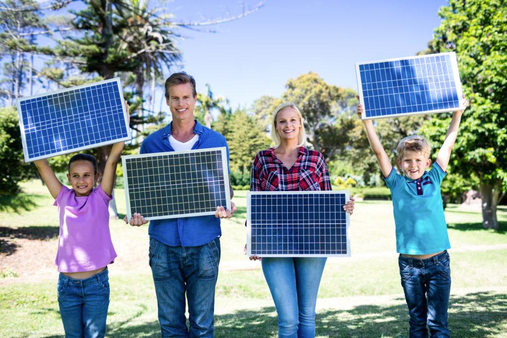 Sviťte a topte zdarma pomocí solárních panelů T-Power