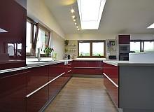 Zakázková výroba kuchyňských sestav - HON kuchyně Opava